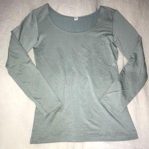 Uniqlo Sage long sleeve scoop neck T shirt